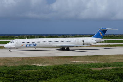 InselAir Aruba McDonnell Douglas DC-9-83 (MD-83) P4-MDG (msn 49935) CUR (Ton Jochems). Image: 943622.