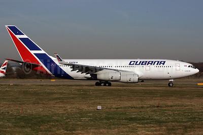 Cubana de Aviacion Ilyushin Il-96-300 CU-T1254 (msn 74393202017) LGW (Antony J. Best). Image: 902054.