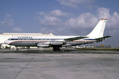 Aeromar Airlines (Lineas Aereas Dominicanas) Boeing 720-022 HI-415 (msn 18072) (United colors) MIA (Bruce Drum). Image: 105264.