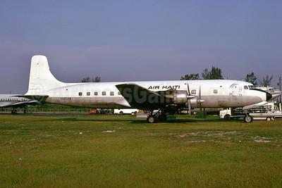 Air Haiti Douglas DC-6A N620NA (msn 44677) MIA (Bruce Drum). Image: 102889.
