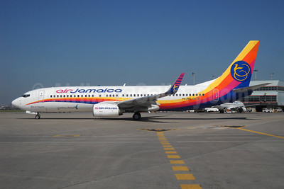 Air Jamaica-Caribbean Airlines Boeing 737-8Q8 WL 9Y-JMD (msn 30720) YYZ (TMK Photography). Image: 907211.