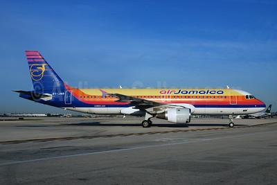Air Jamaica Airbus A320-211 6Y-JMB (msn 422) MIA (Bruce Drum). Image: 100343.