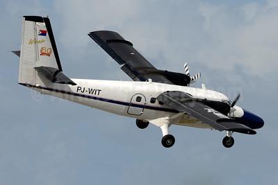 Winair (Windward Islands Airways) de Havilland Canada DHC-6-300 Twin Otter PJ-WIT (msn 588) SXM (Jay Selman). Image: 403505.