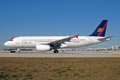 TACA International Airbus A320-233 N490TA (msn 2282) MIA (Bruce Drum). Image: 102467.