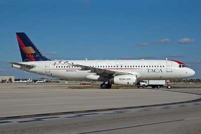 TACA International Airbus A320-233 N462TA (msn 1334) MIA (Bruce Drum). Image: 100659.