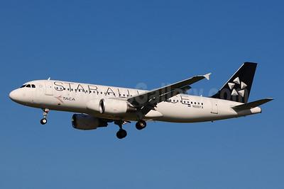 TACA International Airbus A320-214 N688TA (msn 5243) (Star Alliance) LAX (Ton Jochems). Image: 910981.