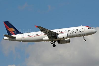 TACA International Airbus A320-233 N493TA (msn 2917) MIA (Bruce Drum). Image: 101827.