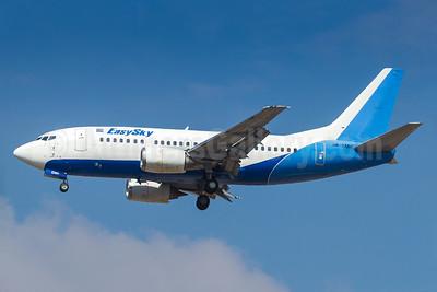 EasySky Airlines Boeing 737-5Y0 HR-EMH (msn 25176) GRU (Rodrigo Cozzato). Image: 932758.