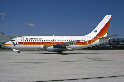 SAHSA (Servicio Aereo de Honduras S.A.) Boeing 737-2A9 HR-SHI (msn 20956) (Vacationair colors) MIA (Keith Armes). Image: 946983.