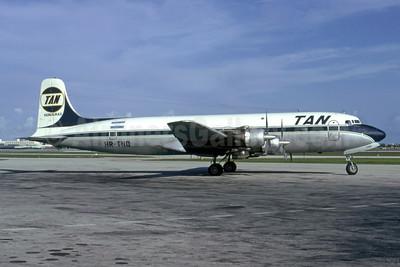 TAN Honduras (TAN Airlines - Transportes Aereos de Nacionales) (Honduras) Douglas DC-6A HR-TNQ (msn 44260) MIA (Bruce Drum). Image: 105546.