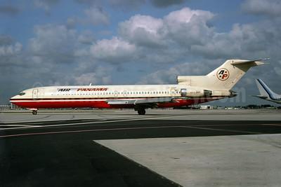 Air Panamá Internacional (1st) (Alia) Boeing 727-2D3 JY-ADR (msn 20885) (Alia colors) MIA (Keith Armes). Image: 924062.
