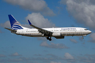 Copa Airlines Boeing 737-8V3 WL HP-1827CMP (msn 38142) MIA (Jay Selman). Image: 404048.