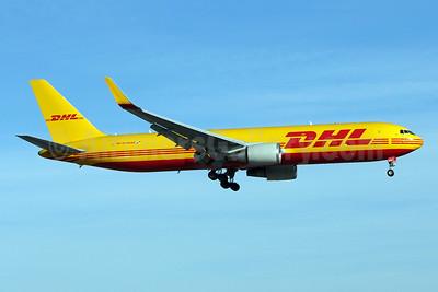 DHL-Aero Expreso Boeing 767-304 ER (F) WL HP-3310DAE (msn 28042) MIA (Brian McDonough). Image: