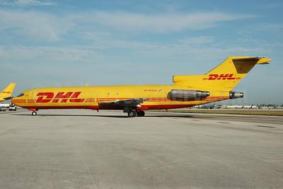 DHL-Aero Expreso Boeing 727-264 (F) HP-1510DAE (msn 20709) MIA (Bruce Drum). Image: 100098.
