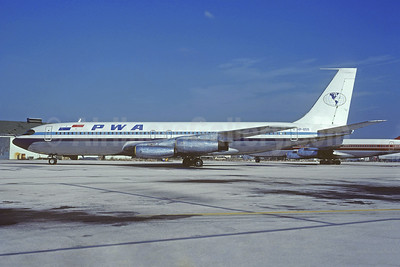 PWA (Panama World Airways) Boeing 707-344 HP-855 (msn 17928) MIA (Bruce Drum). Image: 105522.