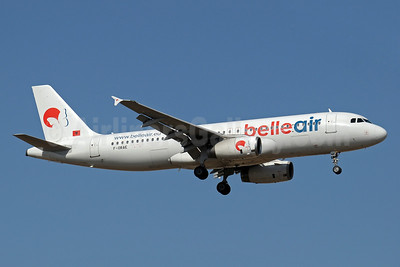 Belle Air (Albania) Airbus A320-233 F-ORAE (msn 561) AYT (Paul Denton). Image: 911812.
