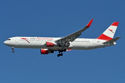 Austrian.com - my Austrian (Austrian Airlines) Boeing 767-3Z9 ER WL OE-LAY (msn 29867) JFK (Fred Freketic). Image: 939288.