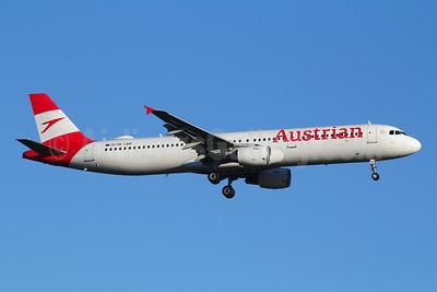 Austrian Airlines Airbus A321-211 OE-LBD (msn 920) ZRH (Andi Hiltl). Image: 944330.