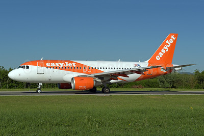 easyJet (Europe) Airbus A319-111 OE-LQF (msn 3844) ZRH (Rolf Wallner). Image: 941821.