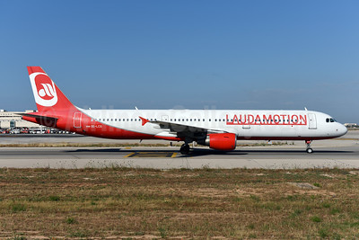Laudamotion Airbus A321-211 OE-LCG (msn 1988) (Airberlin colors) PMI (Ton Jochems). Image: 942579.