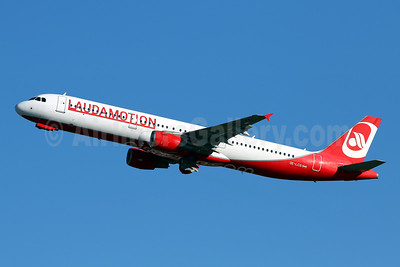 Laudamotion Airbus A321-211 OE-LCG (msn 1988) (Airberlin colors) PMI (Javier Rodriguez). Image: 941370.