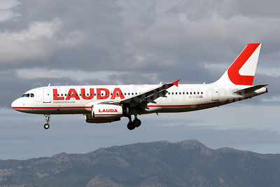 First Lauda aircraft in the new identity