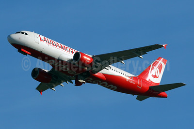 Laudamotion Airbus A320-214 OE-LOD (msn 3908) (Airberlin colors) PMI (Javier Rodriguez). Image: 941369.