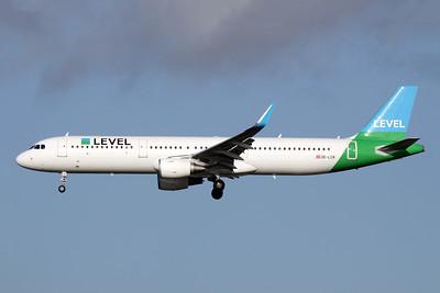 Level (Austria) Airbus A321-211 WL OE-LCR (msn 6719) LGW (Antony J. Best). Image: 944339.