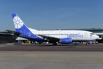 Belavia Belarusian Airlines Boeing 737-524 EW-252PA (msn 26340) AMS (Ton Jochems). Image: 943825.