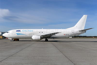 ASL Airlines (Belgium) Boeing 737-48E (F) OE-IAX (msn 27632) BLL (Ton Jochems). Image: 939111.