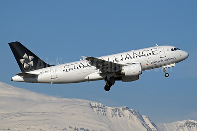 Brussels Airlines Airbus A319-112 OO-SSC (msn 1086) (Star Alliance) GVA (Paul Denton). Image: 907880.