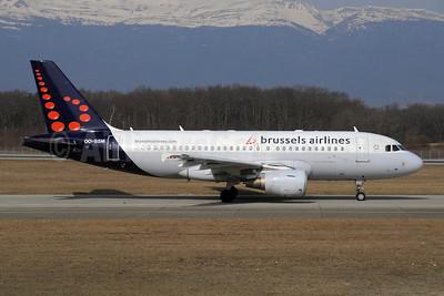 Brussels Airlines Airbus A319-112 OO-SSM (msn 1388) GVA (Paul Denton). Image: 910145.