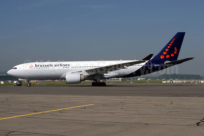 Brussels Airlines Airbus A330-223 HB-IQA (msn 229) ZRH (Rolf Wallner). Image: 907222.