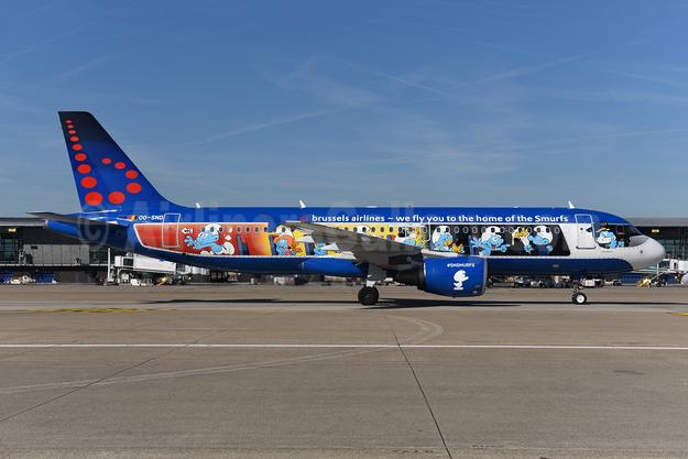 "Brussels Airlines' 2018 ""Aerosmurf"" logo jet"