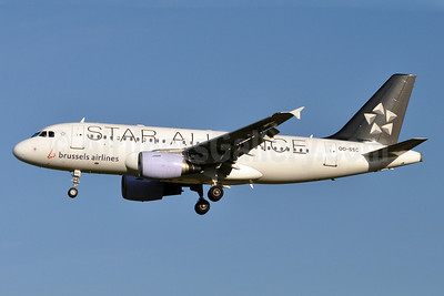 Brussels Airlines Airbus A319-112 OO-SSC (msn 1086) (Star Alliance) BRU (Karl Cornil). Image: 905881.
