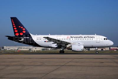 Brussels Airlines Airbus A319-112 OO-SSD (msn 1102) BRU (Ton Jochems). Image: 953396.
