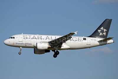 Brussels Airlines Airbus A319-112 OO-SSC (msn 1086) (Star Alliance-15 Years) BRU (TMK Photography). Image: 913477.