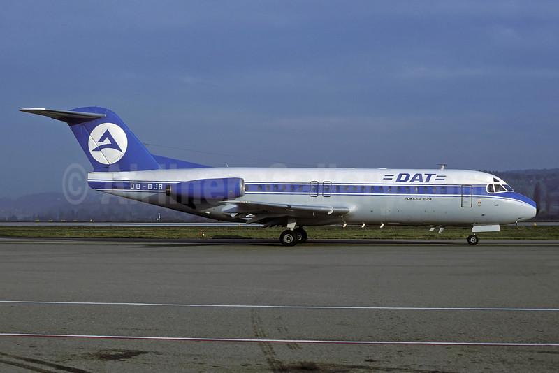 DAT (Delta Air Transport) Fokker F.28 Mk. 4000 OO-DJB (msn 11184) ZRH (Rolf Wallner). Image: 929946.