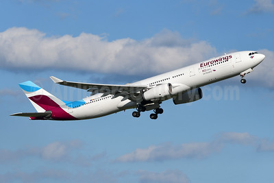 Eurowings (Brussels Airlines) Airbus A330-343 OO-SFL (msn 579) (BIZ class on board) YYZ (TMK Photography). Image: 947014.