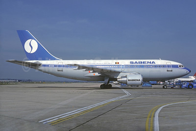 SABENA-Belgian World Airlines Airbus A310-222 OO-SCB (msn 313) LHR (Christian Volpati Collection). Image: 937155.