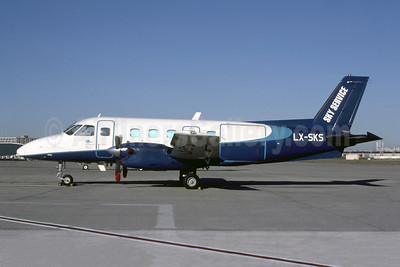 Sky Service (Belgium) Embraer EMB-110P1 Bandeirante LX-SKS (msn 110381) CDG (Christian Volpati). Image: 952593.