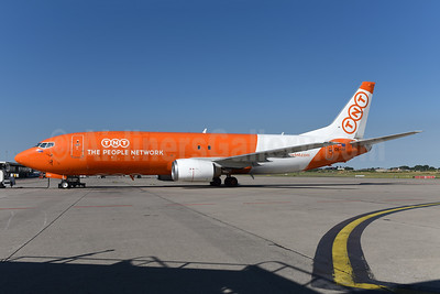 TNT Airways - The People Network (Austria) Boeing 737-4Q8 OE-IAE (msn 25105) LGG (Ton Jochems). Image: 942809.
