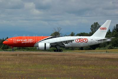 TNT Airways Boeing 777-FHT OO-TSA (msn 38969) PAE (Nick Dean). Image: 906813.