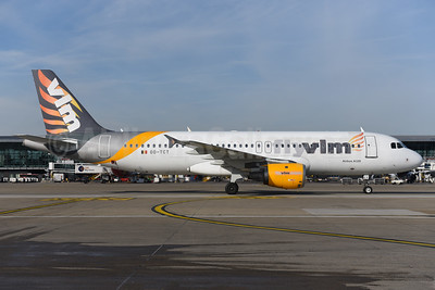 VLM Airlines Airbus A320-212 OO-TCT (msn 1402) (partial Thomas Cook colors) BRU (Ton Jochems). Image: 940973.