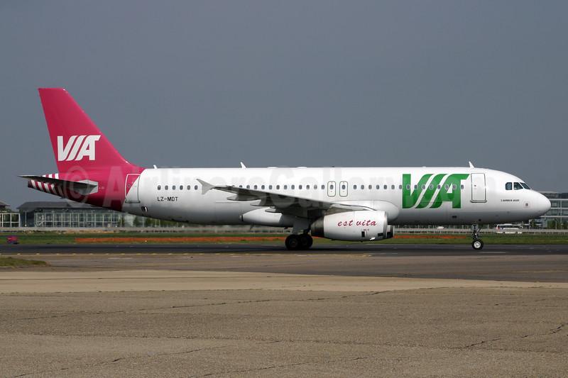 Air VIA Bulgarian Airways Airbus A320-232 LZ-MDT (msn 2108) LHR. Image: 928606.