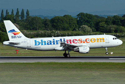 BH Air-Balkan Holidays Airlines (bhairlines.com) Airbus A320-212 LZ-BHC (msn 349) MAN (Rob Skinkis). Image: 912602.