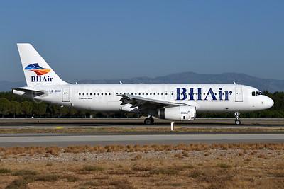BH Air (Balkan Holidays Airlines) Airbus A320-232 LZ-BHM (msn 2457) AYT (Ton Jochems). Image: 955121.