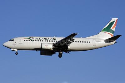 Bulgaria Air Boeing 737-330 LZ-BOV (msn 23833) LGW (Antony J. Best). Image: 902038.