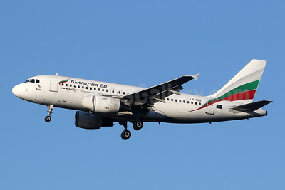 Bulgaria Air Airbus A319-112 LZ-FBA (msn 3564) LHR (SPA). Image: 950335.