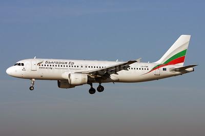 Bulgaria Air Airbus A320-214 LZ-FBE (msn 3780) ZRH (Andi Hiltl). Image: 923464.